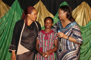 (R - L) The Director-General of the Securities and Exchange Commission (SEC), Ms. Arunma Oteh, Enitan star, Amarachi Onyedum and her mum